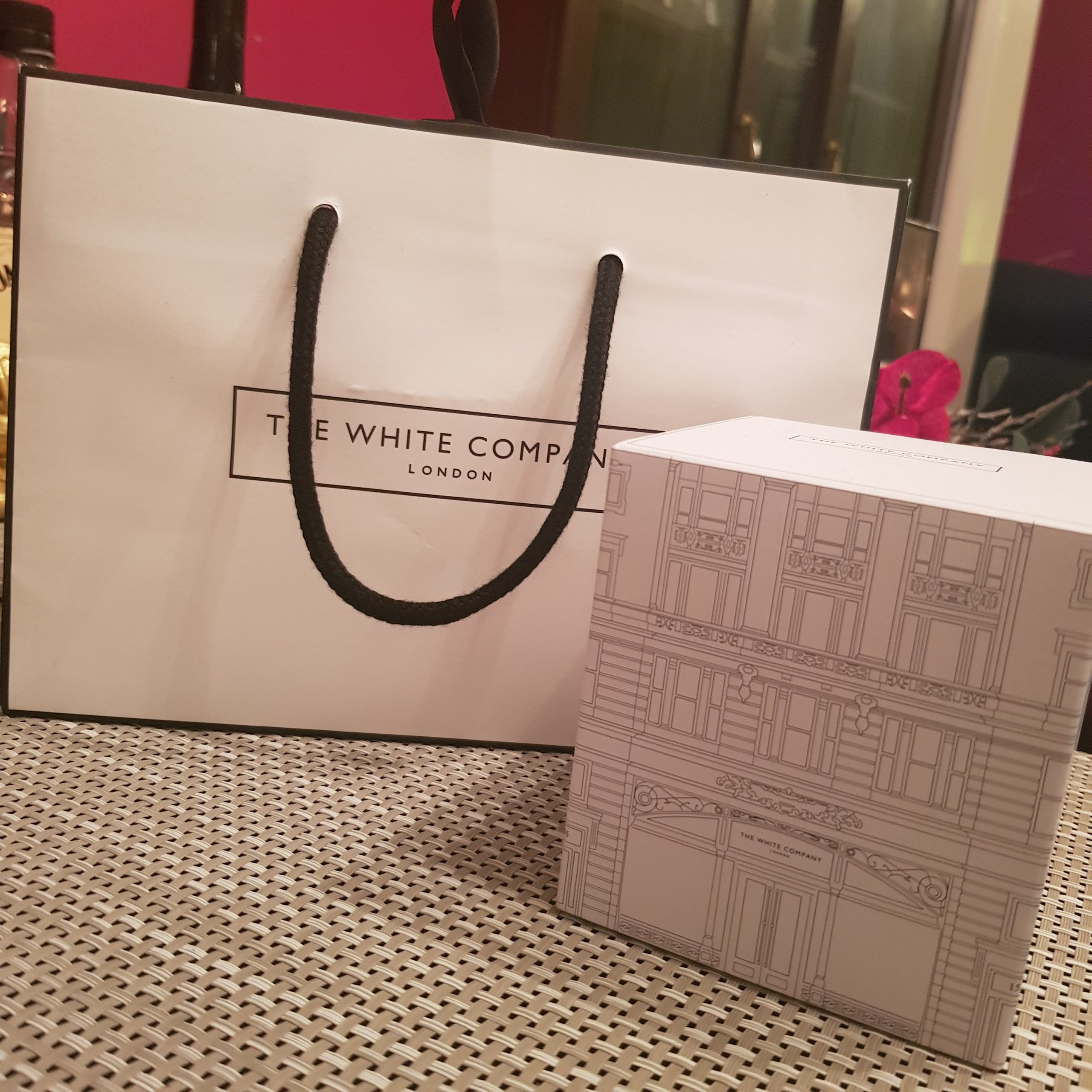white company candle